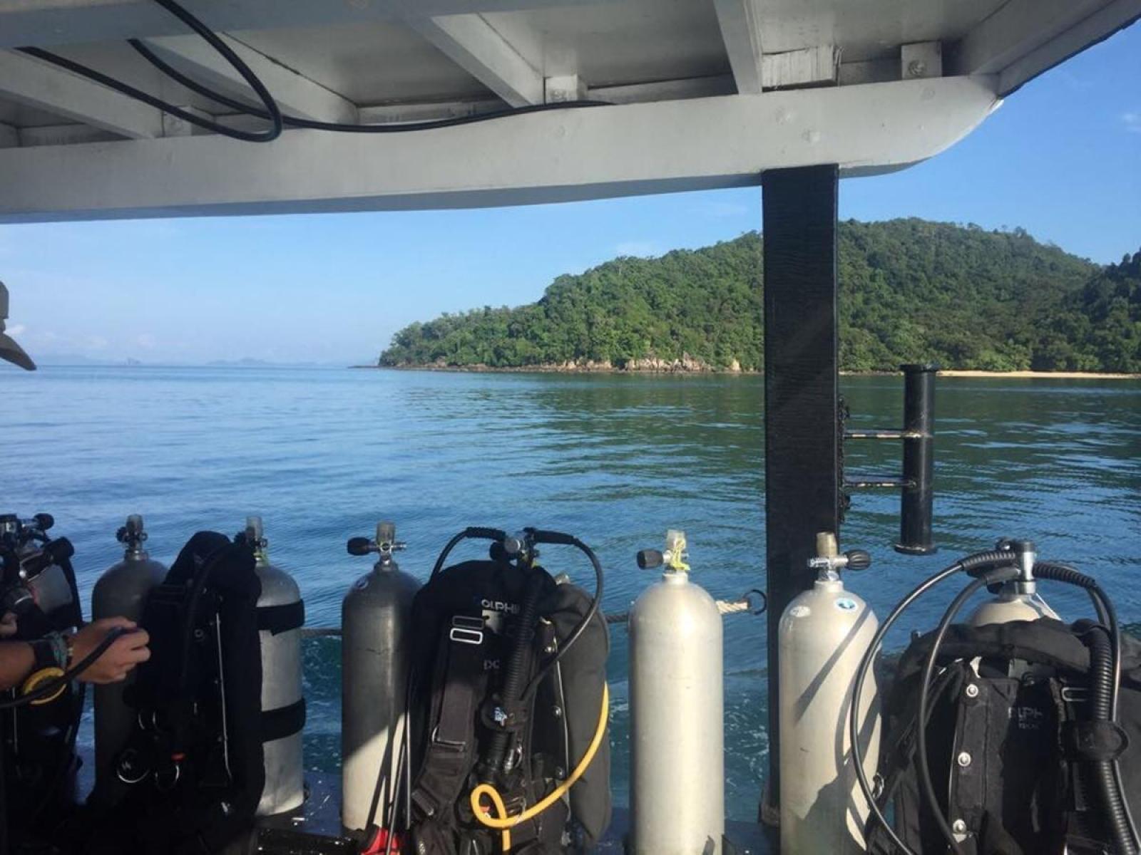 Bateau de plongée sur le projet d'écovolontariat d'Aline en Thaïlande